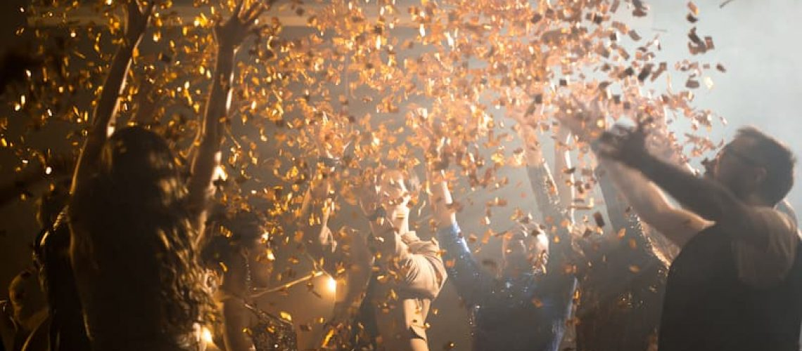 enjoying-party-at-night-club-RA3BGYJ (1)